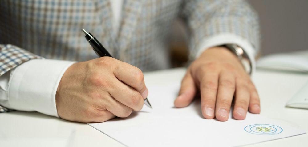 「自動車運転免許証抜粋証明」が、日本の運転免許証の翻訳書類として認められています