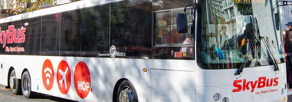 空港バス(Skybus)を利用してオークランド空港から市内に移動する