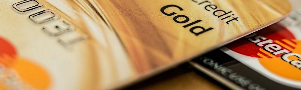 クレジットカードは手数料がかなり安く、便利です